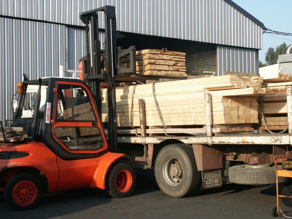 bois autoclave traitement et stockage bois nantes angers vendee bourgoin bois. Black Bedroom Furniture Sets. Home Design Ideas